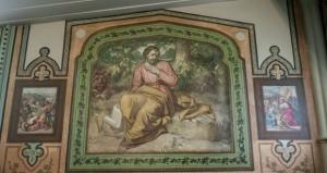 Quinze œuvres d'Ozias Leduc décorent de façon grandiose les murs de l'église. Photo : Michaël Turcotte