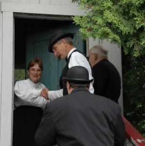 maitresse de poste et ses visiteurs
